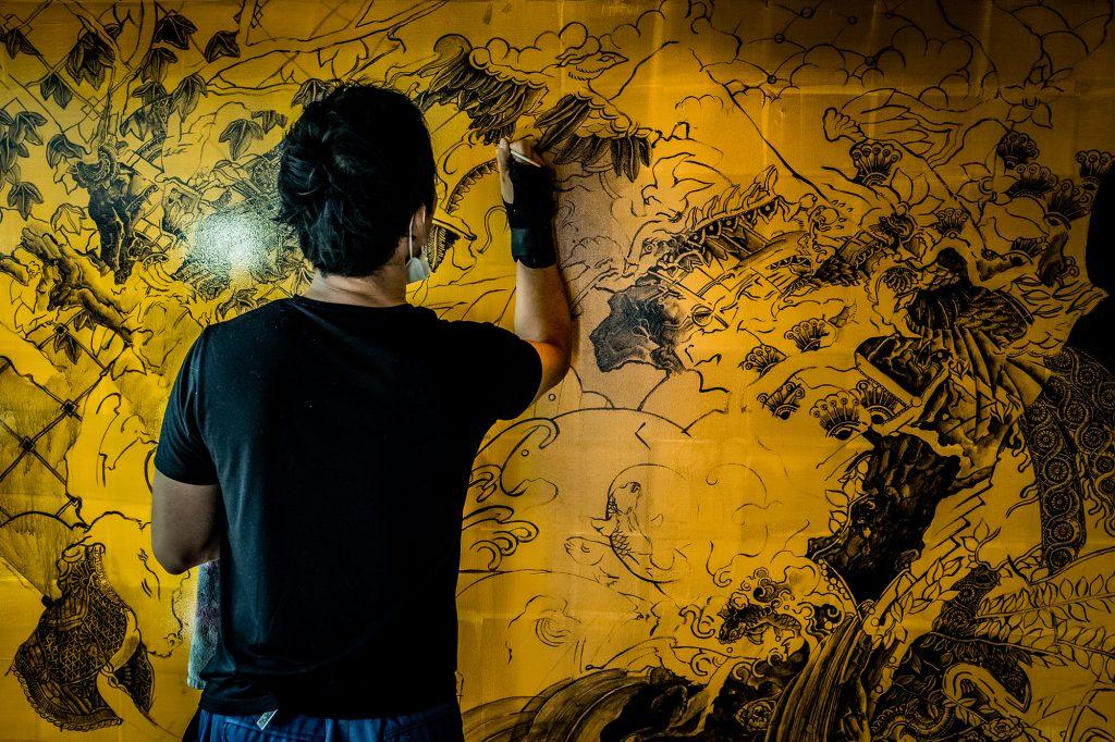 個性ドリブン香川大介壁画