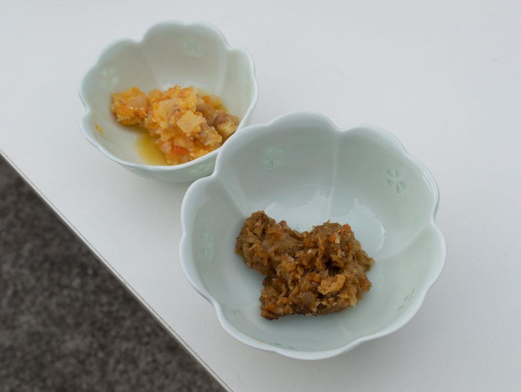 左:一般的なしもつかれ、右:ナイジェリア香辛料入りしもつかれ